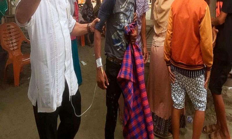 Indonesian fishermen rescue Rohingya Muslims fleeing Myanmar
