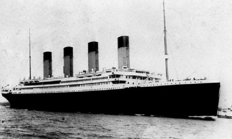 First Titanic menu fetches £100k at auction
