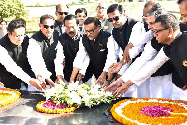 Awami League delegation pays tributes to Mahatma Gandhi