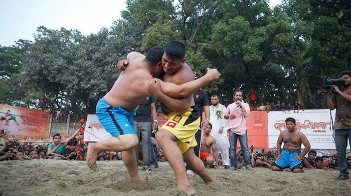 Jabbarer Boli Kela kicks off at Laldighi Maidan on Wednesday