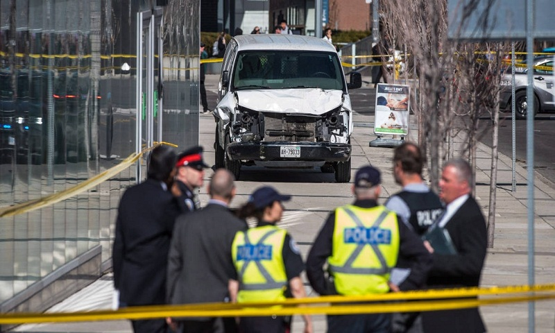 Toronto van: Ten dead and 15 injured as pedestrians are hit