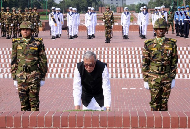 President pays rich tributes to Liberation War martyrs in Savar
