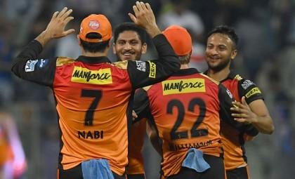 Rashid and Kaul sink Mumbai in chase of 119