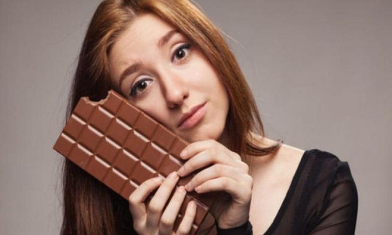 Eating dark chocolate cuts stress, boosts memory
