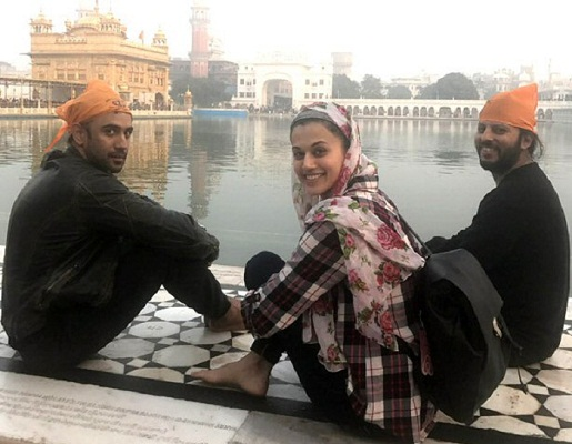 Bollywood goes back to Kashmir
