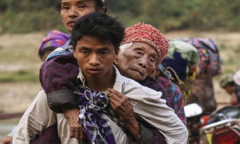 Myanmar violence: Thousands flee fresh fighting in Kachin state
