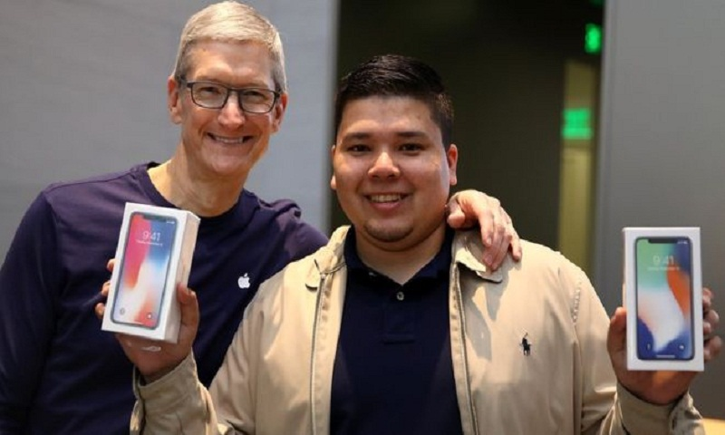 Solid iPhone sales boost Apple revenues