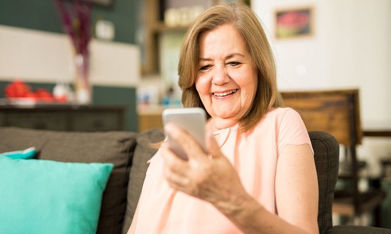 Facebook can make older adults feel less lonely