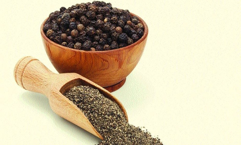 Add pinch of pepper in your plate to lose weight