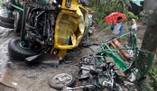 Five killed road crashes in two districts