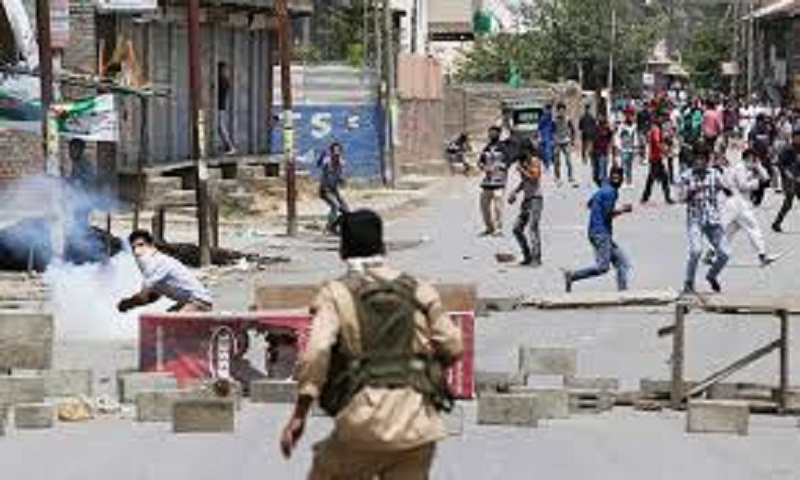 Rebels, Indian troops clash in Kashmir's main city; 1 killed