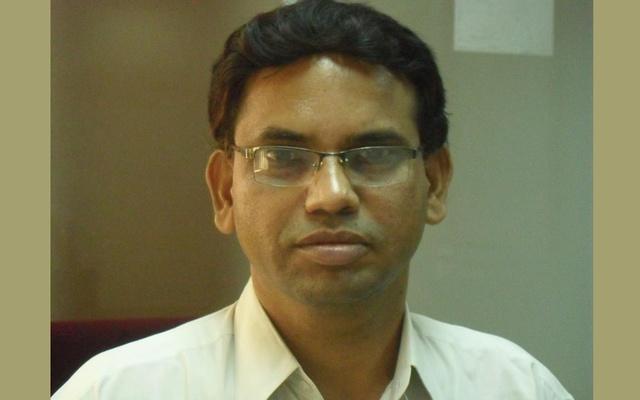 BIDA official dies as tree falls on him in city's Dhanmondi Lake