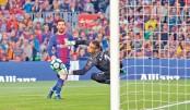 Barca closer to unbeaten La Liga season