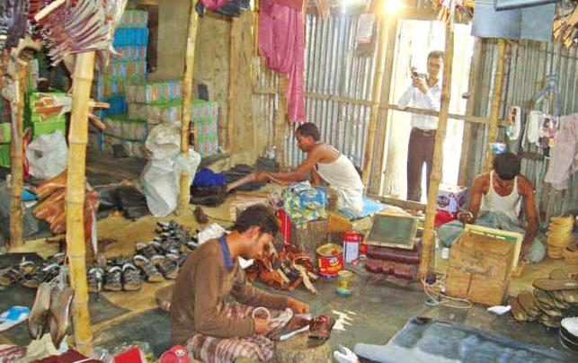Rajshahi villagers make fortune over shoes manufacturing