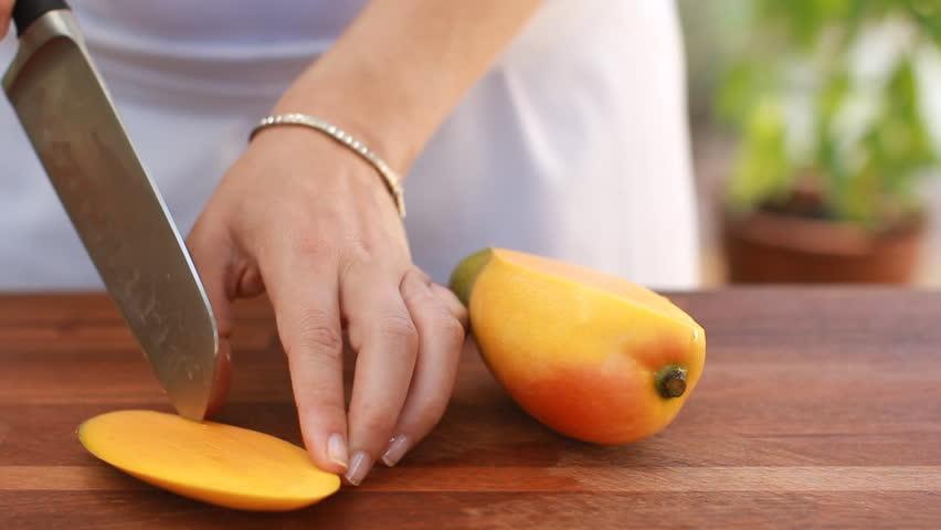 Delicious ways to eat mangoes this season
