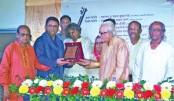 Rajshahi Betar Shilpee Shangstha honours Kamal Ahmed