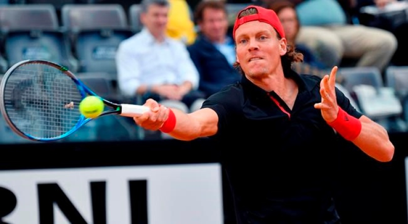 Shapovalov shoots up the rankings with win over Berdych