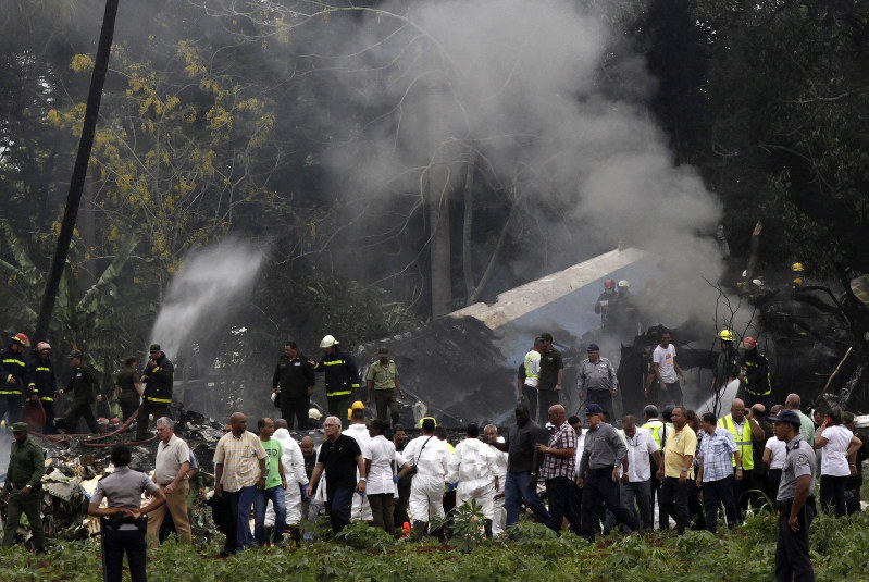 Airliner with 110 aboard crashes in Cuba, 3 said to survive (Video)