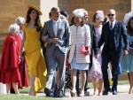 Royal wedding guests pour into Windsor Castle