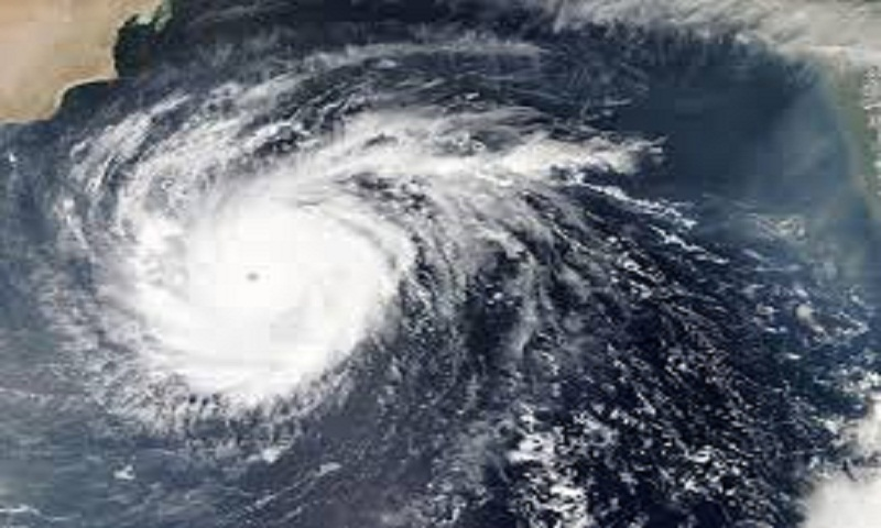 Powerful cyclone churns in Arabian Sea toward Oman, Yemen