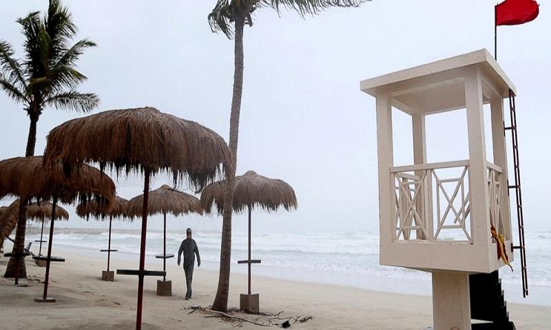 Oman says 4th person killed by Cyclone Mekunu