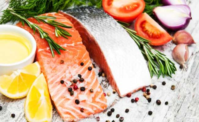 Seafood-rich diet may up sexual intimacy, pregnancy chances