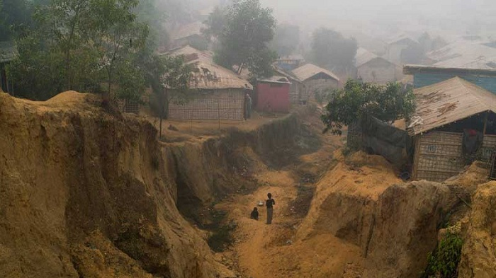 Rohingyas brace for monsoon landslide