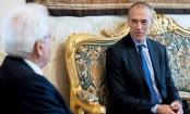 Carlo Cottarelli: Italy president names stop-gap PM