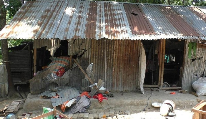 Cops dismantle 6 drug peddlers' houses in Jhenidah