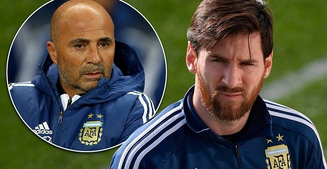 Tree climber Sampaoli aims for summit with Messi