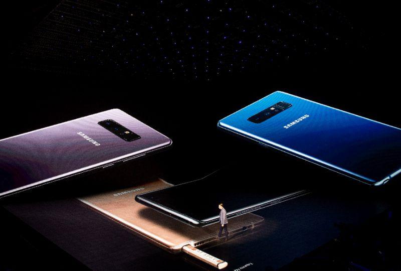 Long-soaring smartphone market heading to earth