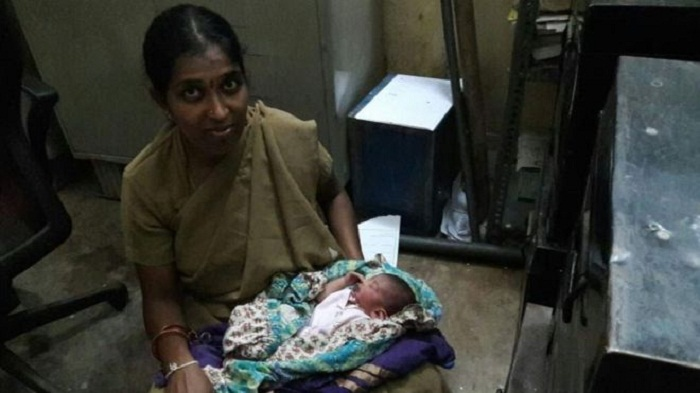 India policewoman praised for breastfeeding abandoned baby