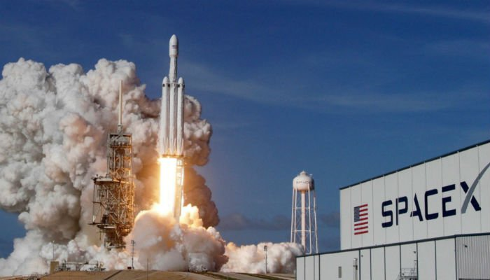 SpaceX delays plans to send tourists around Moon: report