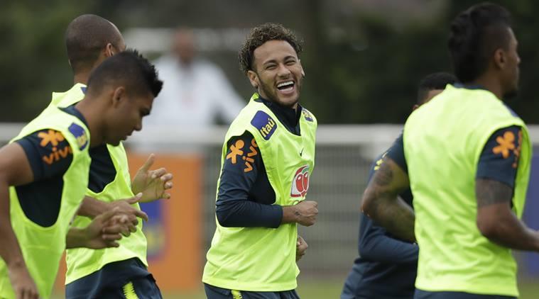 Neymar to play vs. Austria; Fred injured in Brazil training