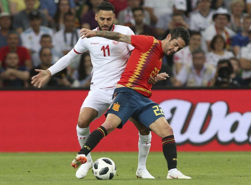 Aspas scores late goal, Spain narrowly beat Tunisia