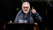 De Niro criticises Trump in front of school students