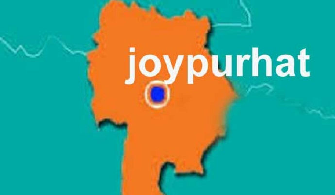 Youth held with 10 gold bars in Joypurhat