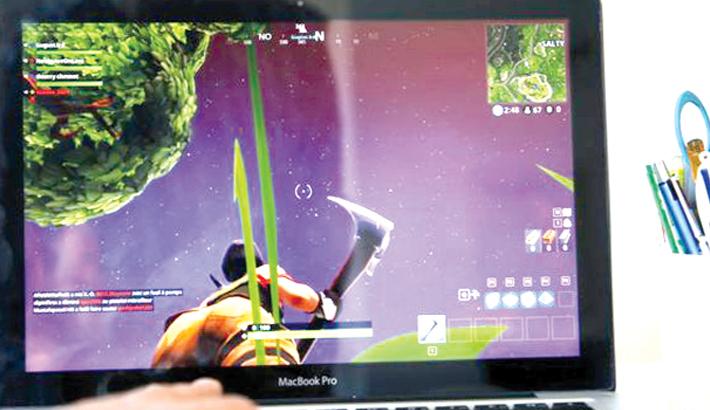 Facebook now streams video games