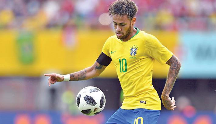 Neymar, Brazil arrive in Russia with WC clock ticking down