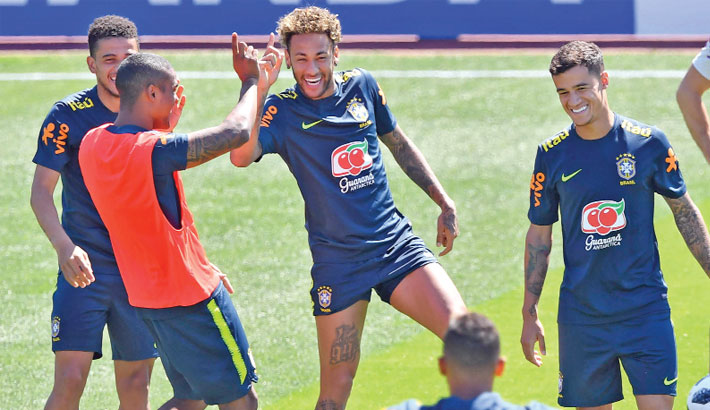 Neymar is star attraction as fans swarm to Brazil training