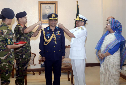 Air chief adorned with Air Marshal rank badge