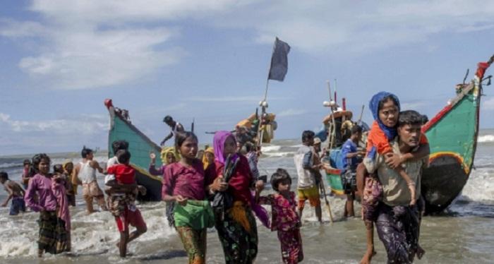 Rohingya refugees land in Myanmar as escape boat breaks up