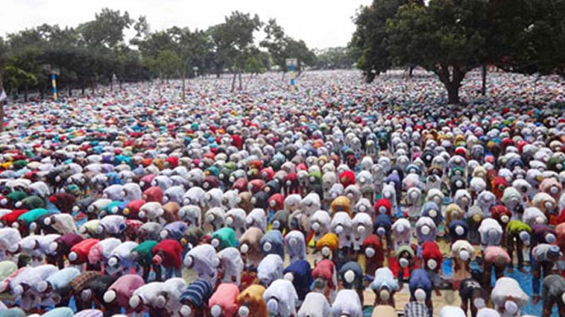 Sholakia hosts largest Eid congregation