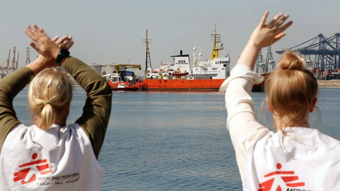 Spain welcomes Aquarius migrants turned away by Italy