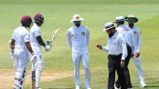 Sri Lanka play on 'under protest' after ball tampering row