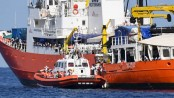 1st boat of Aquarius convoy with 630 migrants docks in Spain