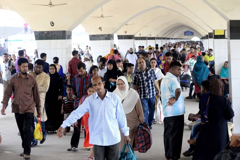 Eid holidaymakers start returning to Dhaka