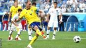Granqvist penalty earns Sweden win