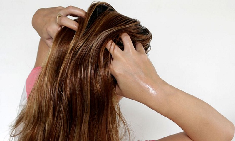Use natural oils, shampoo regularly for healthy hair in monsoon