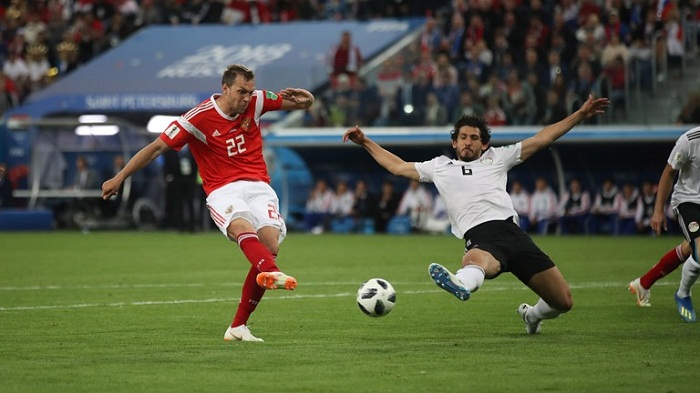 Russia on verge of World Cup last 16 after beating Egypt